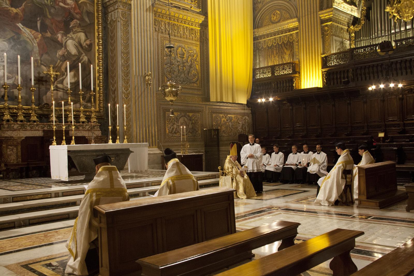 Vespri pontificali in S. Pietro Cappella del Coro l'8 novembre 2013