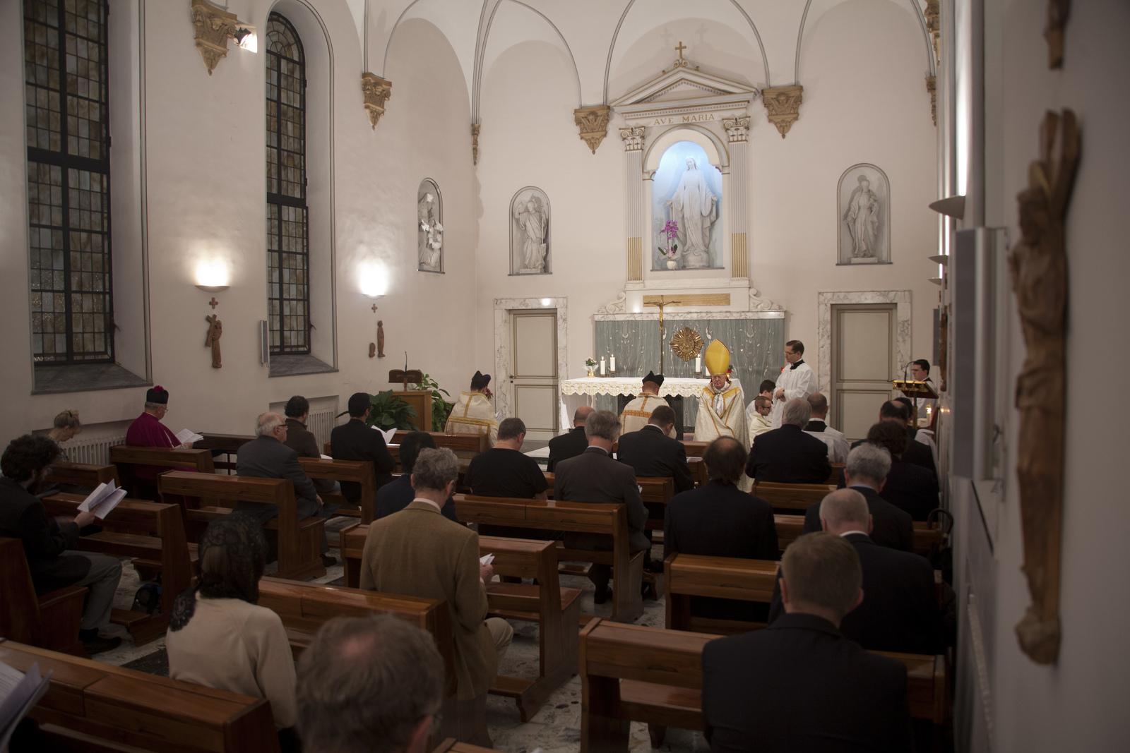 Vespri pontificali alla cappella della Casa Maria Immacolata a Roma il 9 novembre 2013