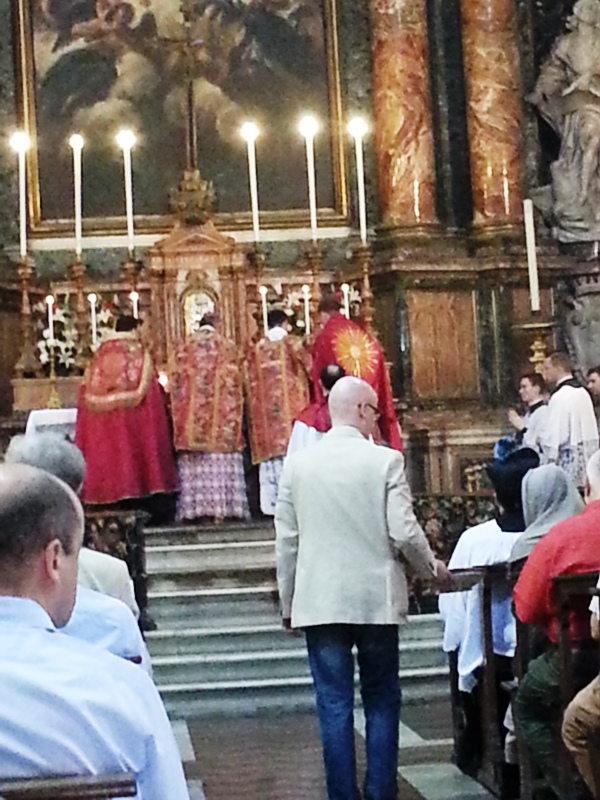 Pontificale di mons. M. M. Zuppi l'8 giugno 2014 a Gesù e Maria, Roma 2